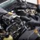 Motorruimte van uw auto schoonmaken (3)